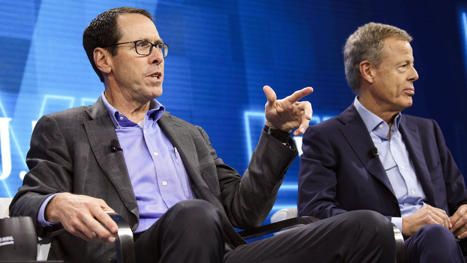 AT&T Randall Stephenson and Time Warner CEO Jeff Bewkes. Photo by Bloomberg.