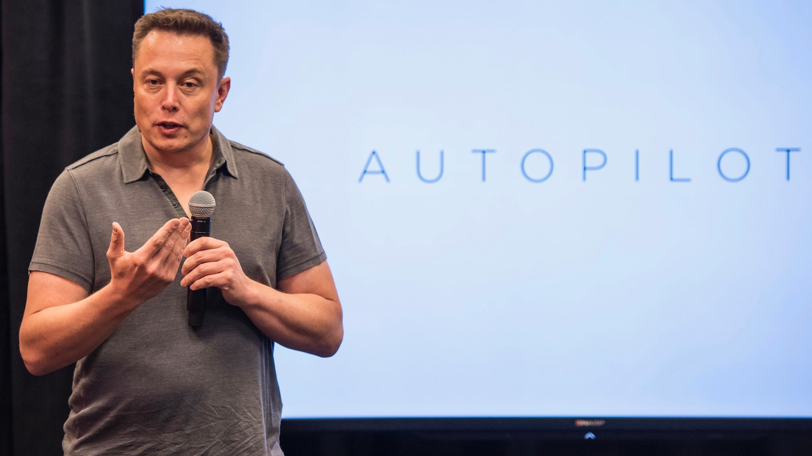 Elon Musk at a 2015 event. Photo by Bloomberg