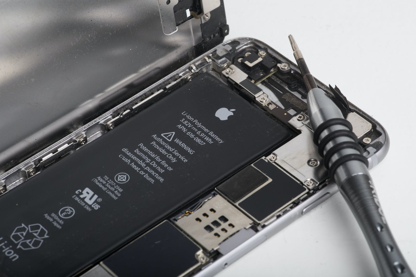 Inside an iPhone. Photo by Bloomberg