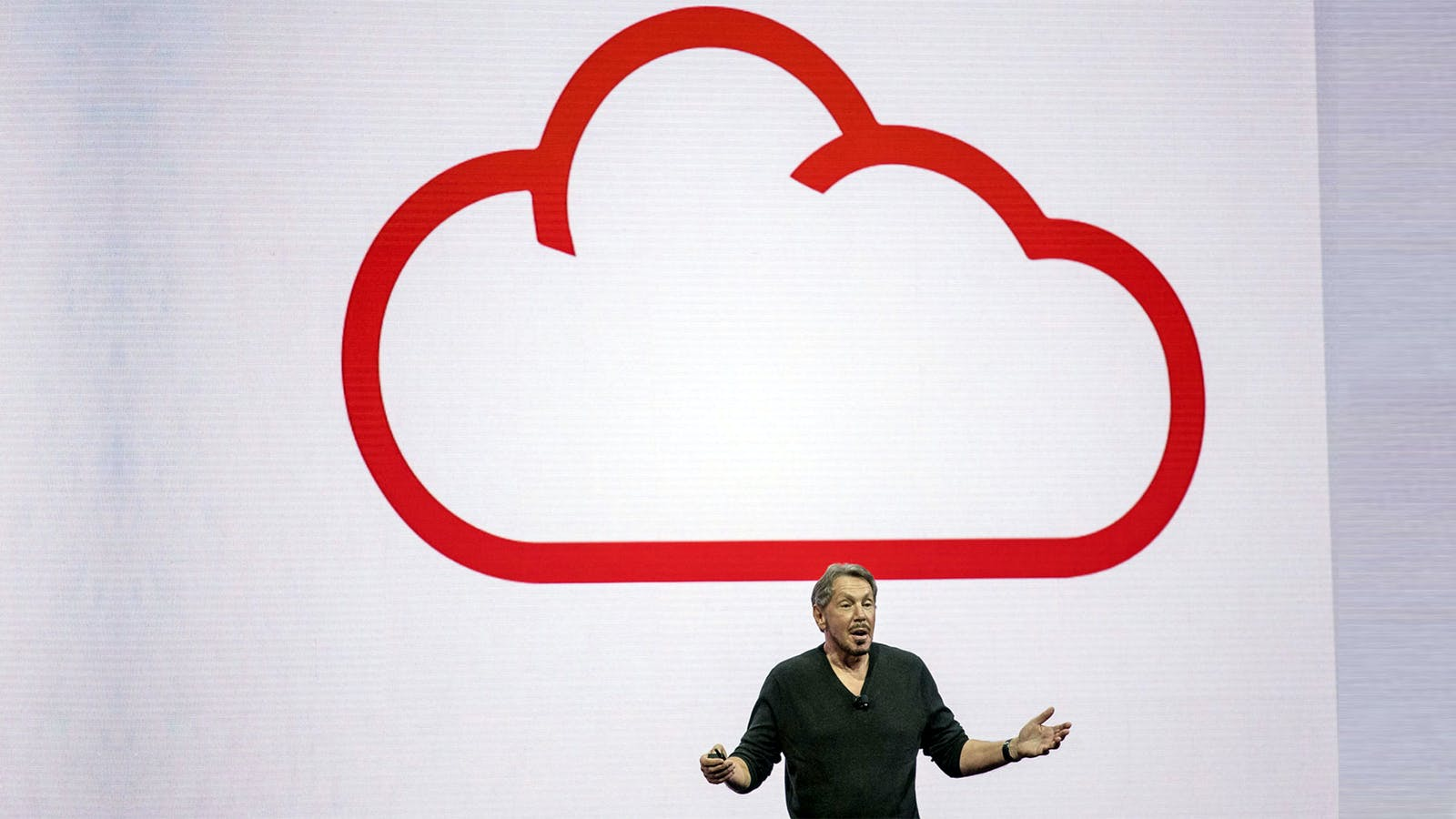 Larry Ellison discussing Oracle Cloud on stage in 2016. Photo by Bloomberg