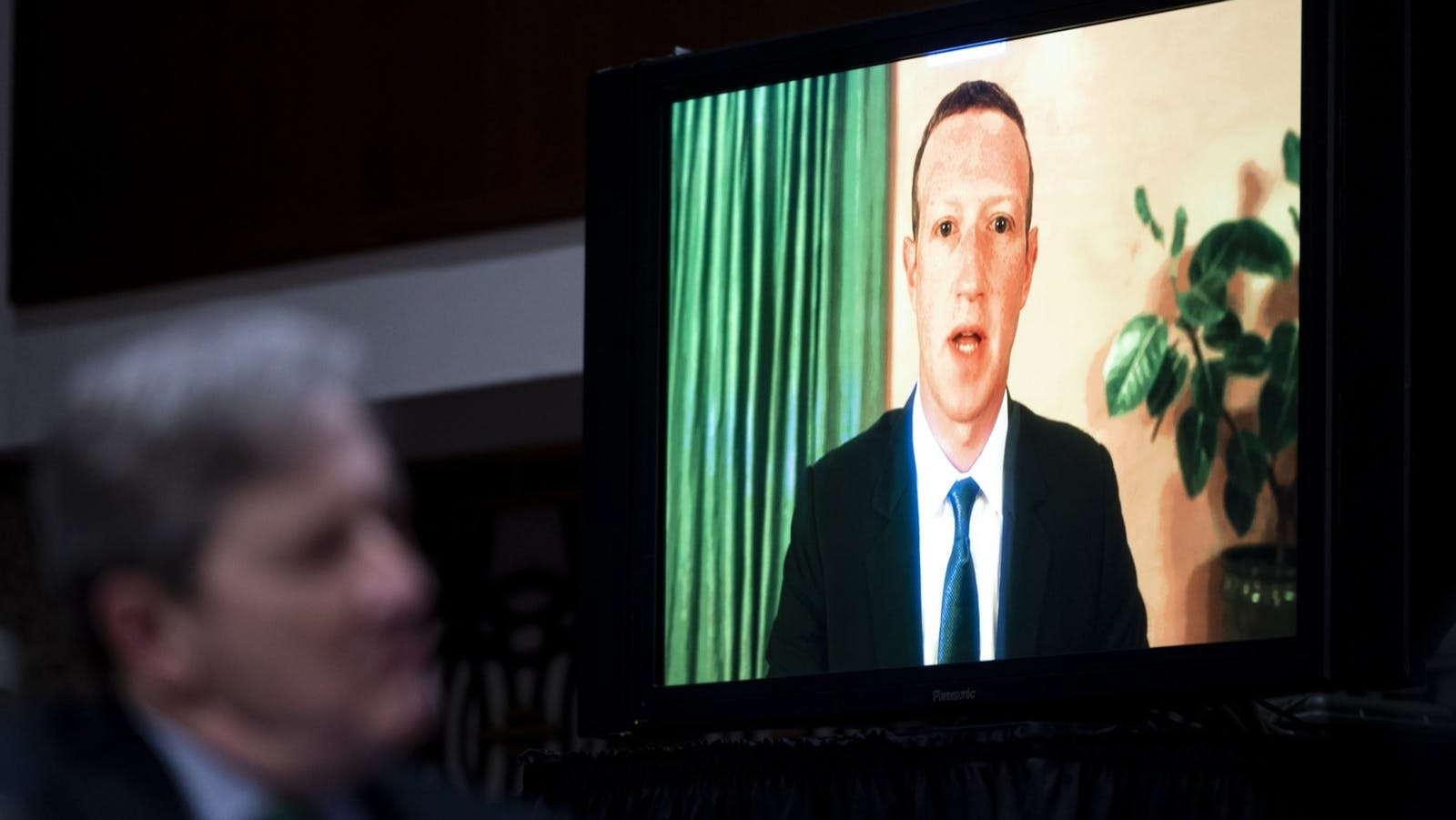 Facebook CEO Mark Zuckerberg speaks remotely during a Senate Judiciary Committee hearing in Washington, D.C., U.S., on Tuesday, Nov. 18, 2020. Photo: Bloomberg