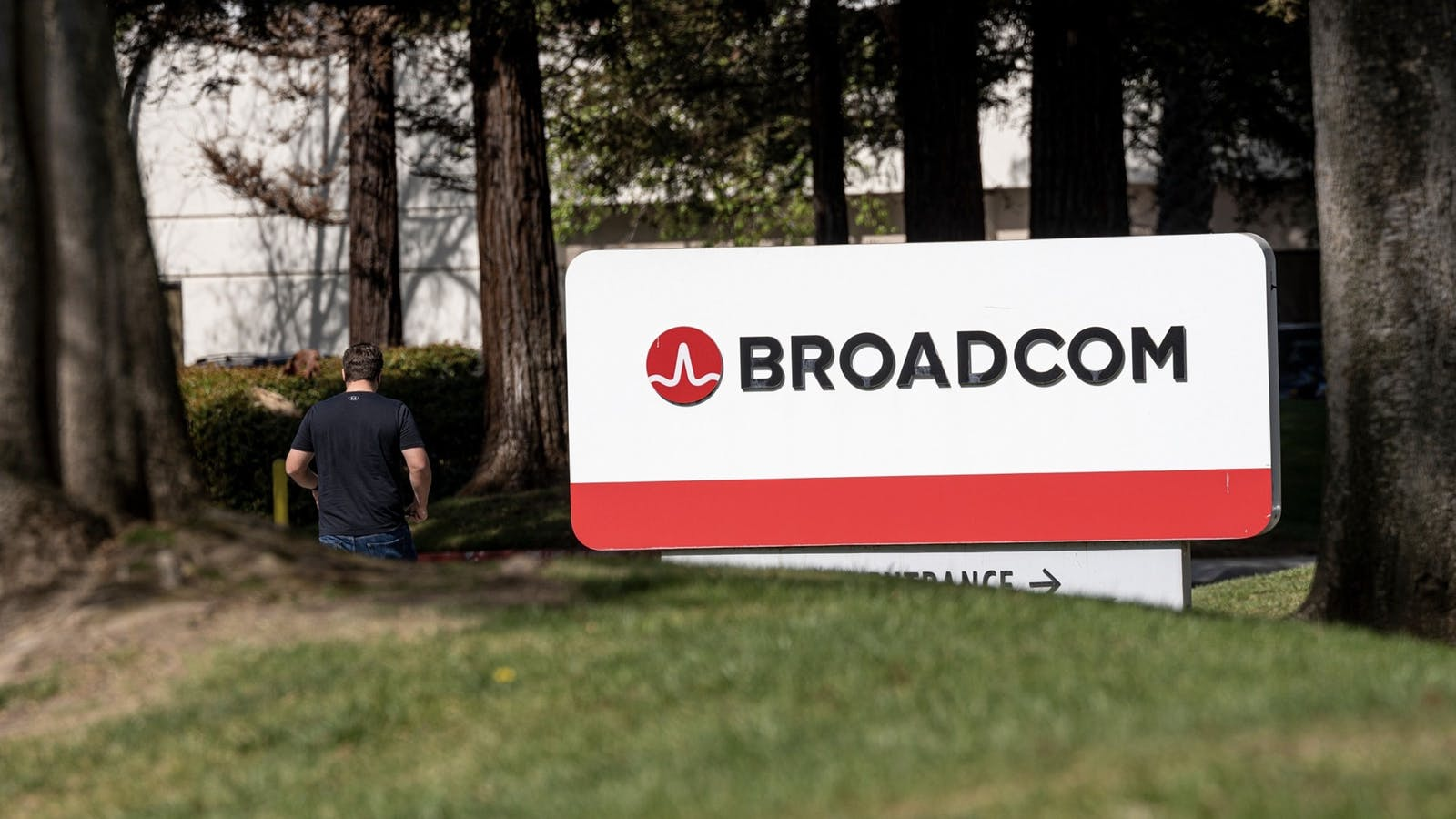 Broadcom's Silicon Valley headquarters. Photo by Bloomberg