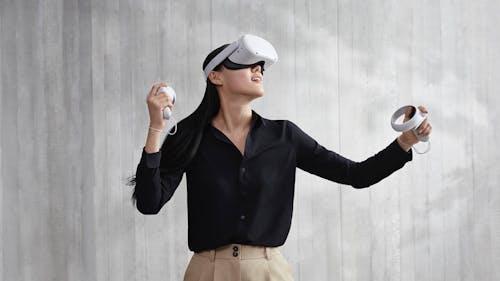 The Oculus Quest 2. Image: Facebook