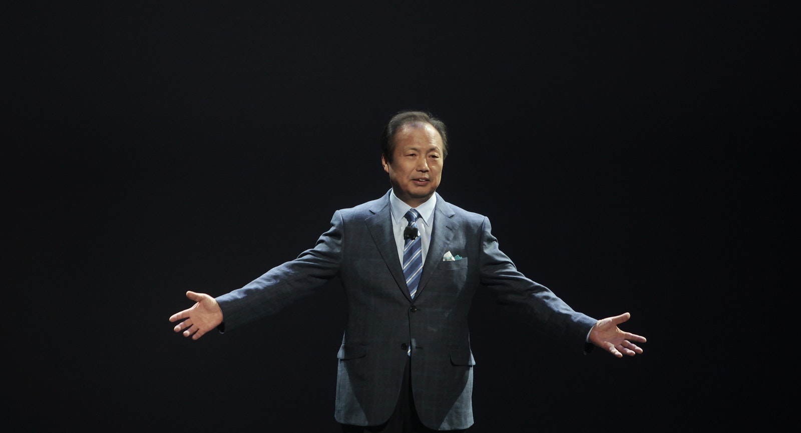 Samsung's mobile CEO J.K. Shin. Photo by Bloomberg.