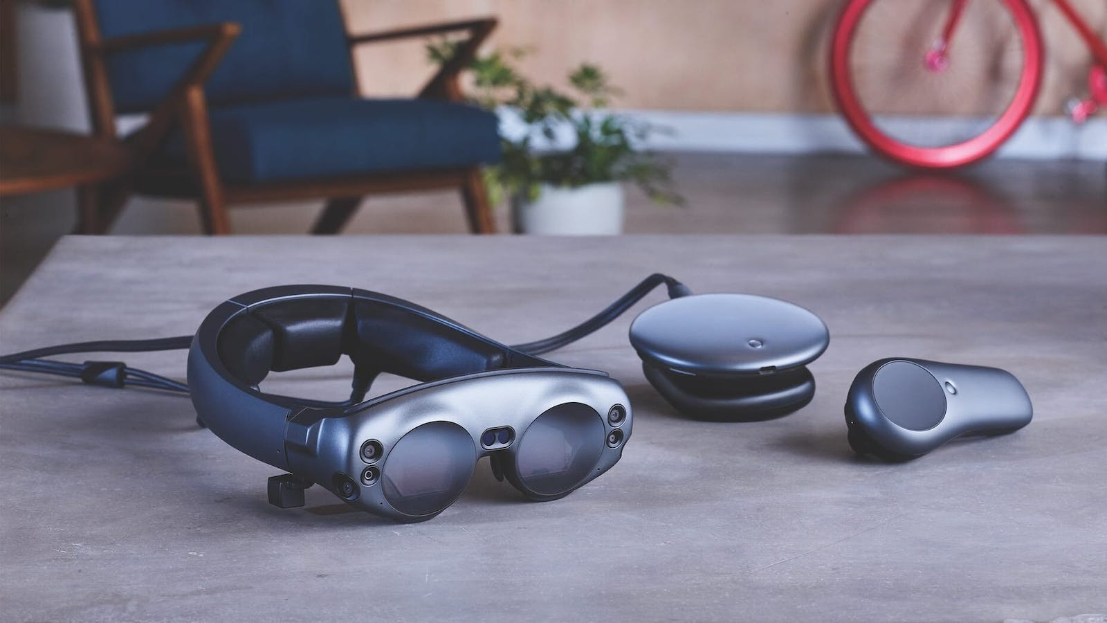 The Magic Leap 1 headset, wearable computer accessory and controller. Source: Magic Leap