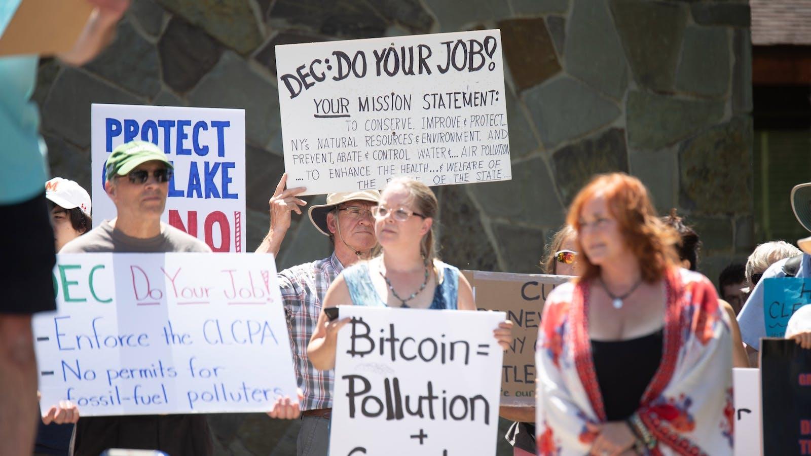 People protested a crypto mining operation near Seneca Lake in upstate New York last month. Photo: Kelly Marciniak—Marciniak Photography